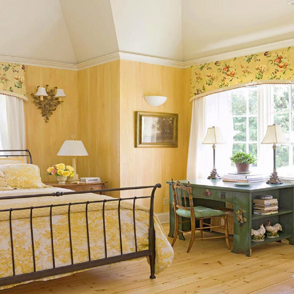 French country bedroom. Photos and Tips for Decorating a Country Style Bedroom