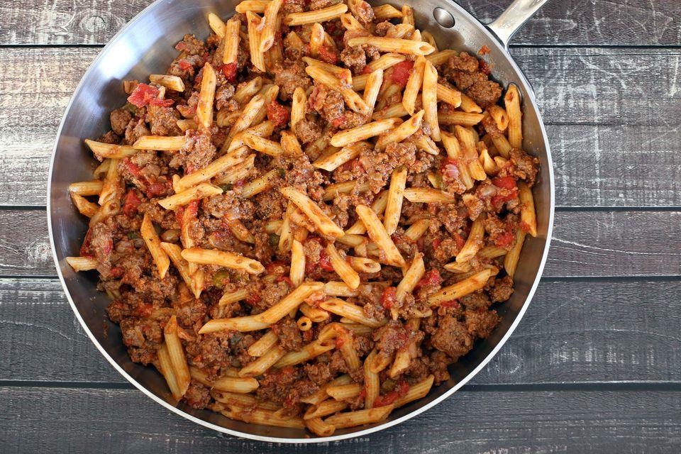 easy skillet hamburger and noodles