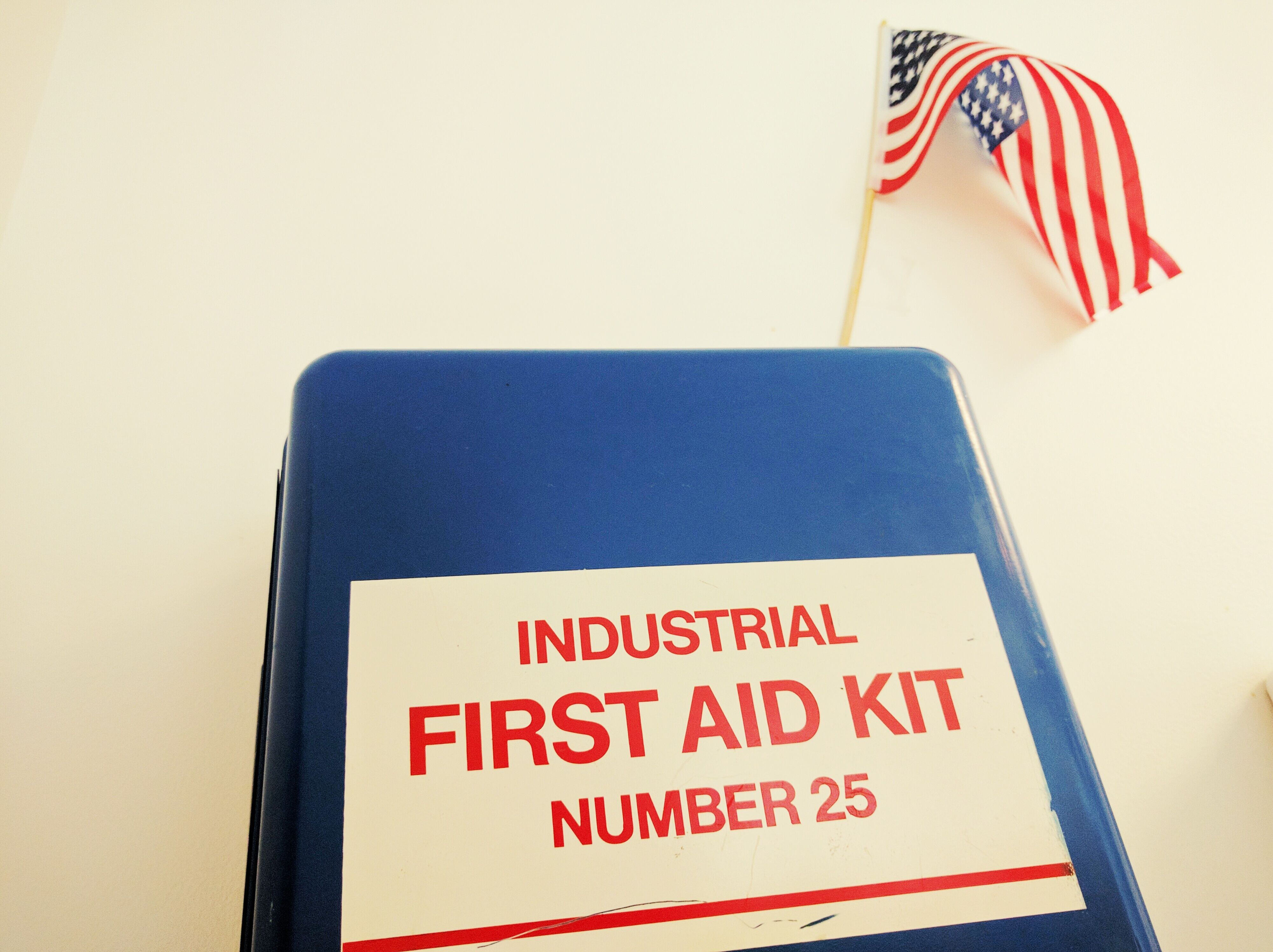Osha compliance requirements for workplace first aid xflitez Choice Image