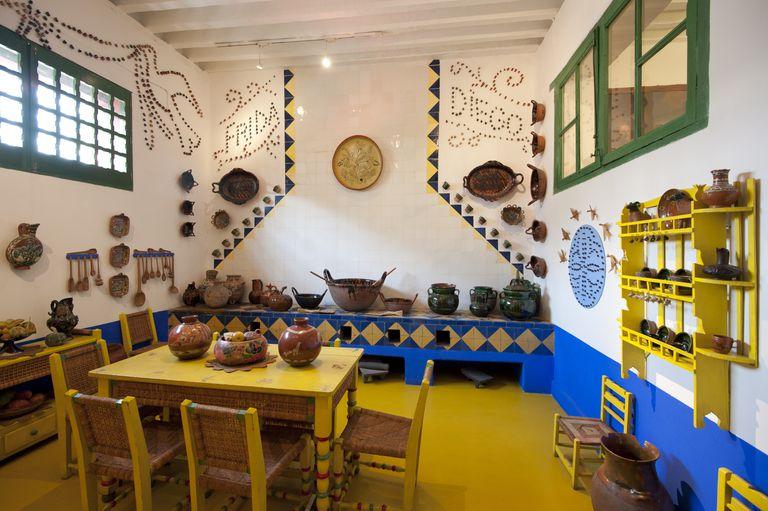 Recorrido virtual por el museo frida kahlo for La casa azul decoracion