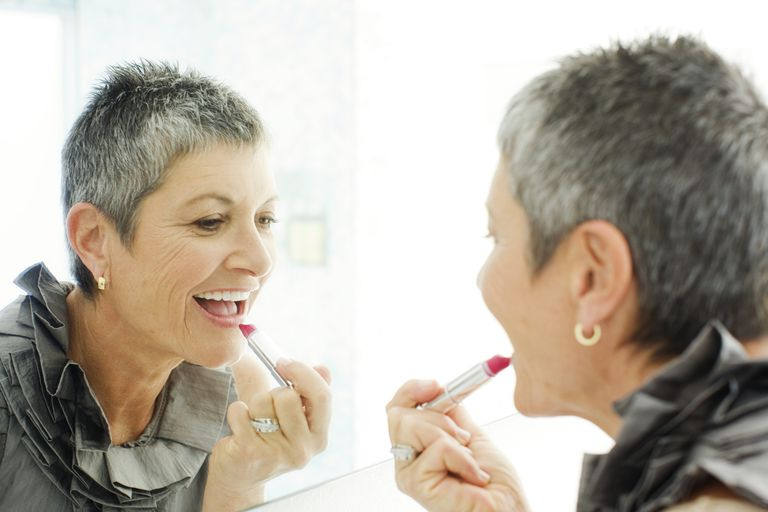 older-women-lipstick-tricks.jpg