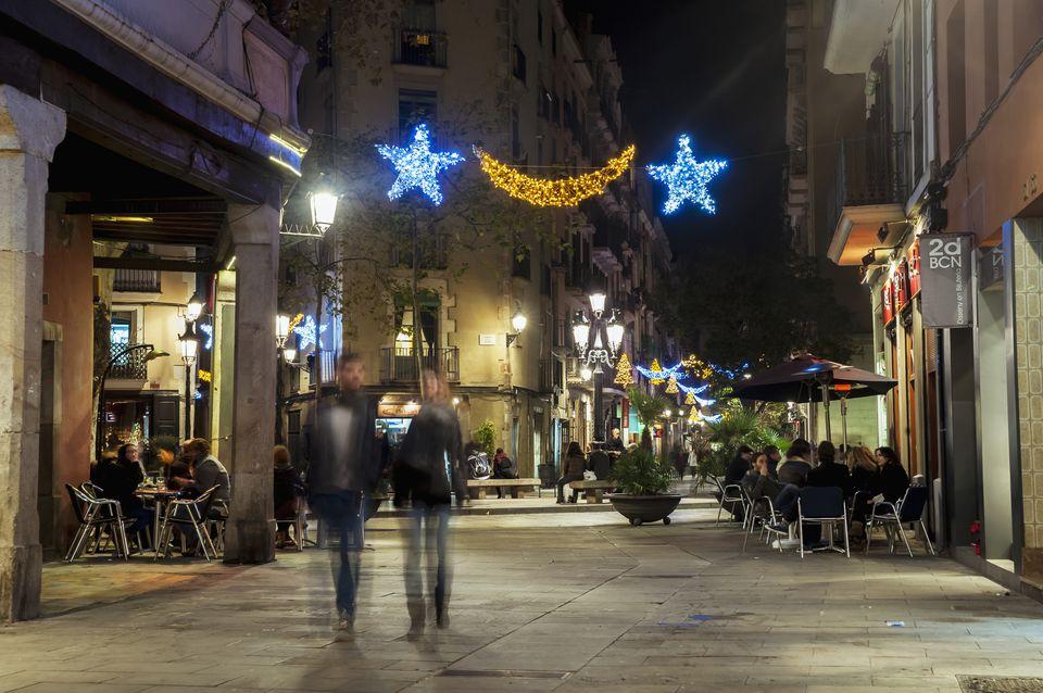 Christmas lights in Carrer del Rec, El Born