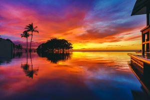 Colorful sunset at Wailea Beach, Maui, Hawaii