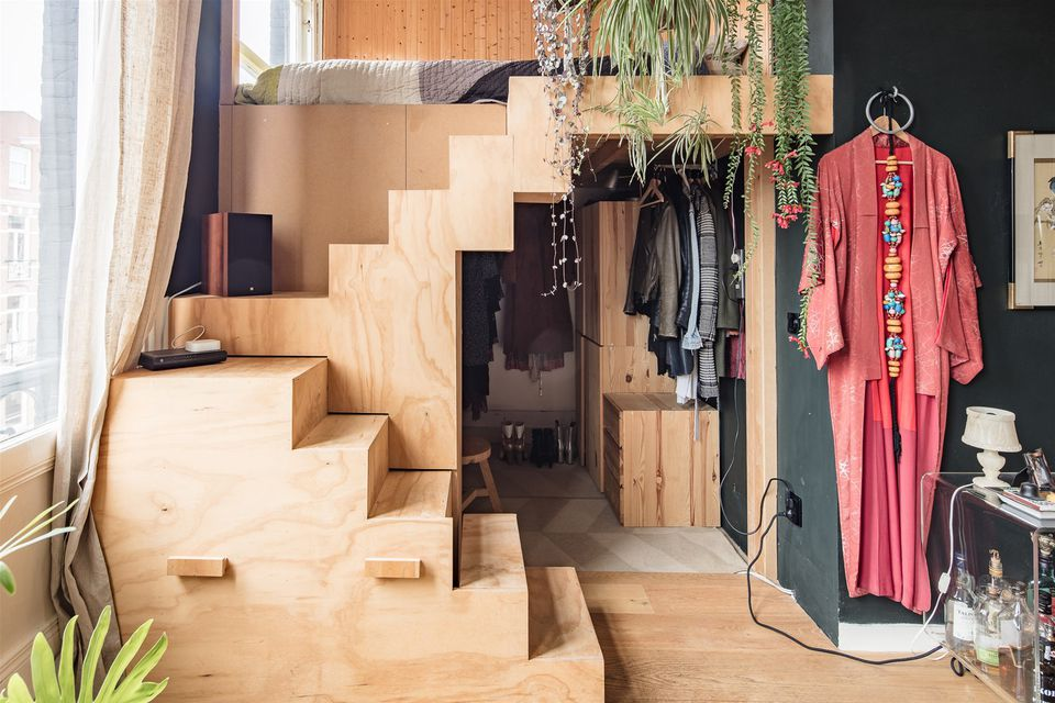 25 adult loft bed ideas for small rooms and apartments - How to create a closet in a small bedroom ...