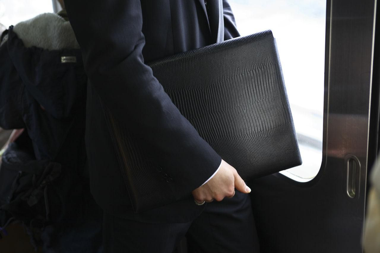 Choosing the Right Accessories for Your Job Interview