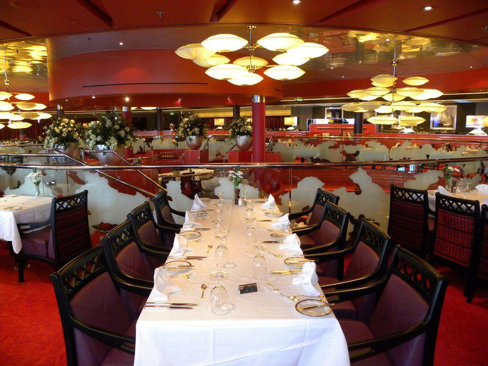 Cruise Dining & Restaurants | Holland America