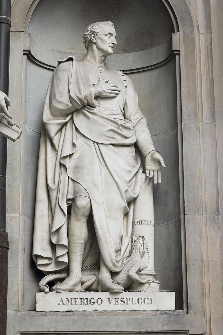 Low angle view of a statue, Amerigo Vespucci, Florence, Italy