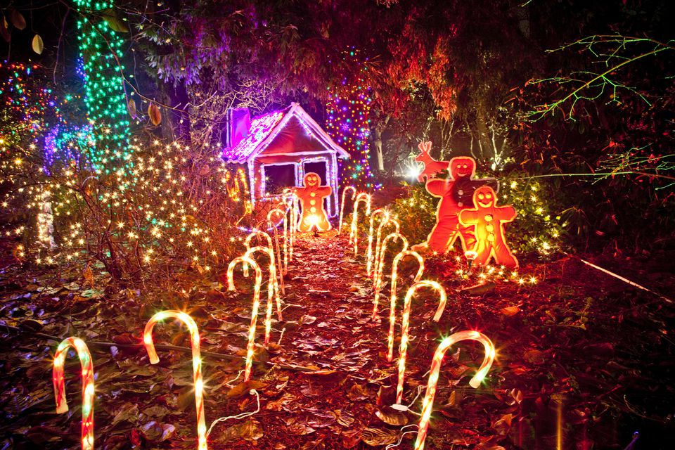christmas light display of gingerbread house vandusen botanical garden vancouver british columbia - Christmas Night Light