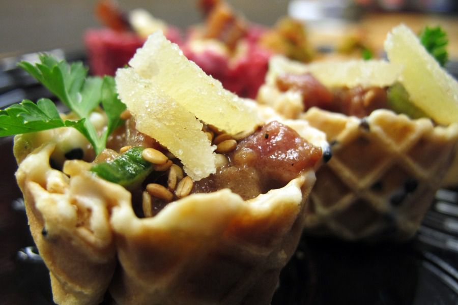 Places to eat near Montreal's Olympic Park include Café In Vivo.