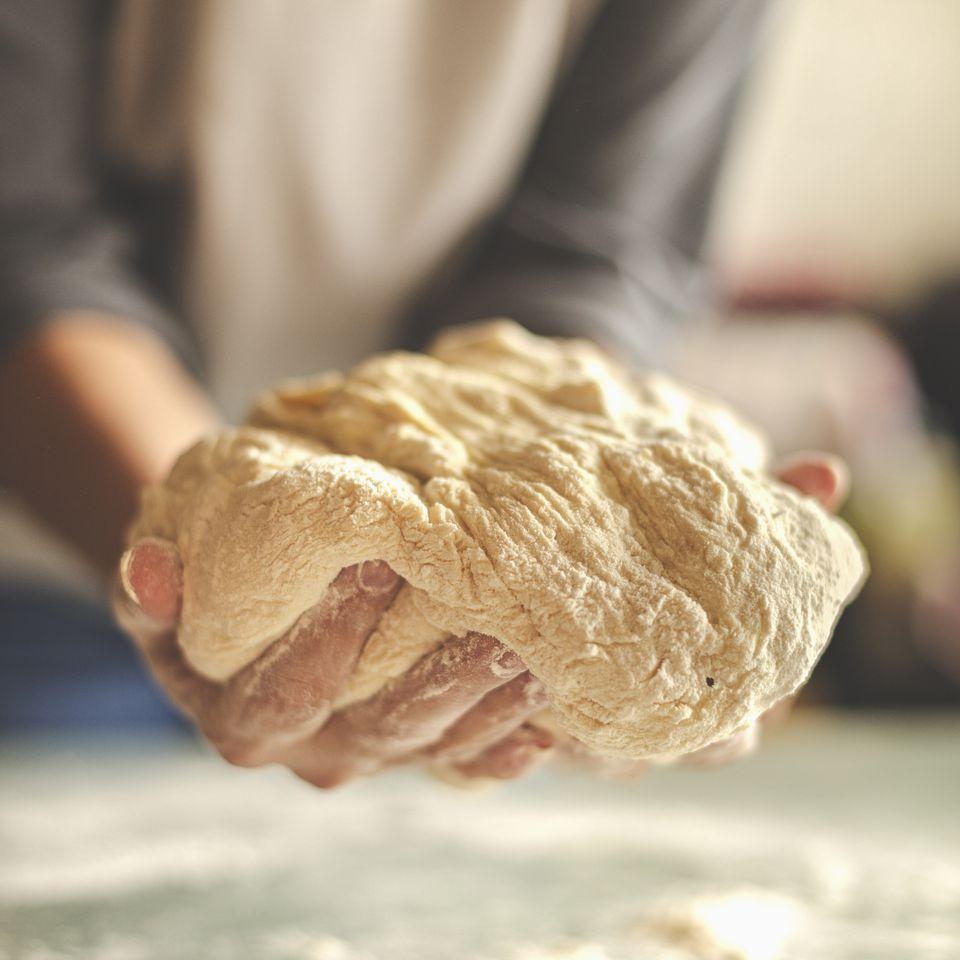 Making yeast dough