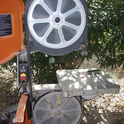 How to properly change band saw blades test the band saw blade tracking greentooth Choice Image