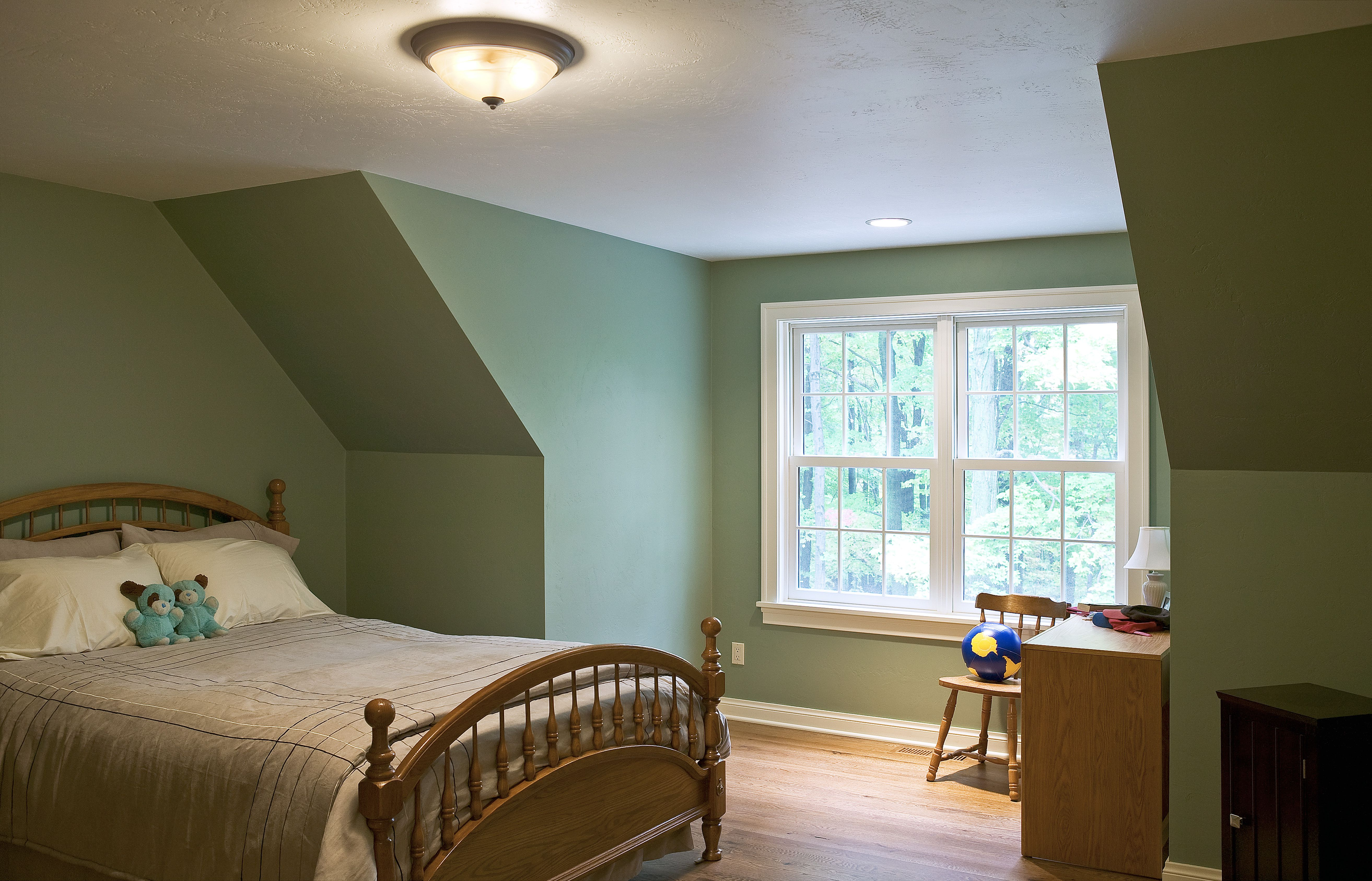 Dormer bedroom home design for Dormer bedroom ideas