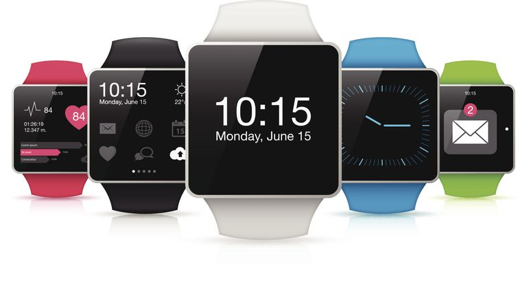Diferentes smart watch mostrando pantallas