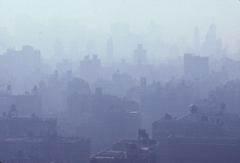 Smog_RayPfortner_Photolibrary_139822519.jpg