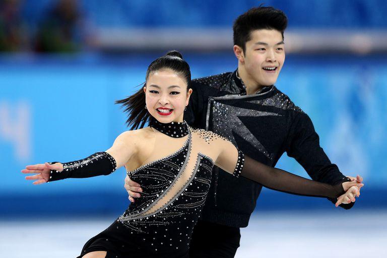 Maia and Alex Shibutani ice dancing