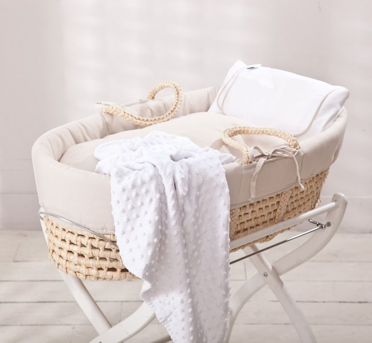 Moisés de bebé: primeras camas de tus hijos