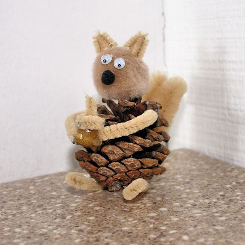 Make This Easy Pine Cone Squirrel Craft