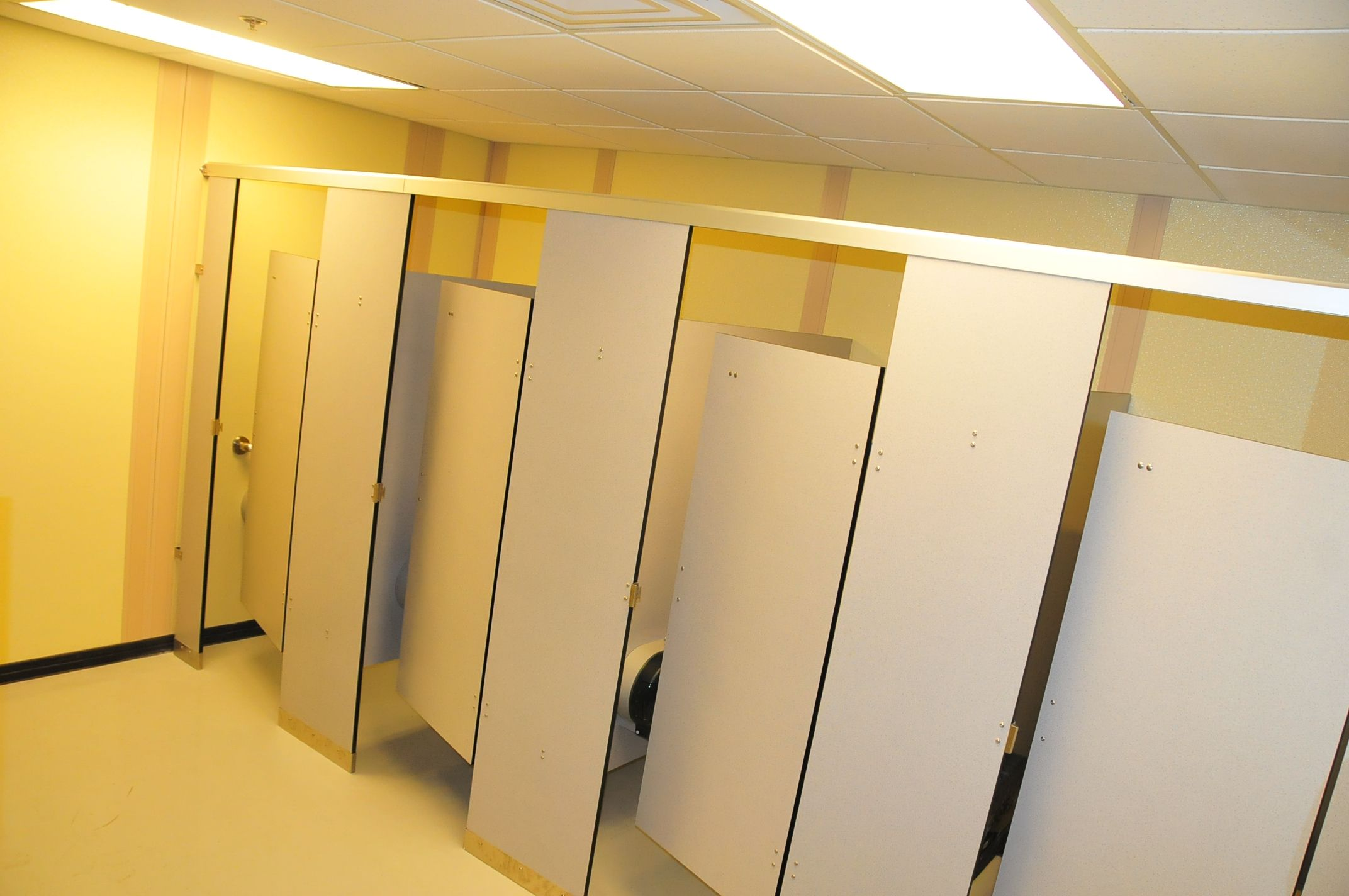Bathroom Partitions Prices 4 types of toilet partitions