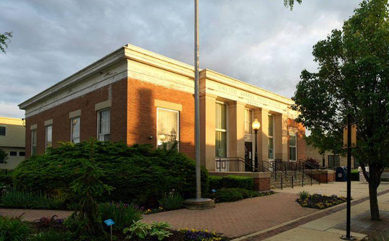 Brick Depression-Era Post Office in Geneva, Illinois