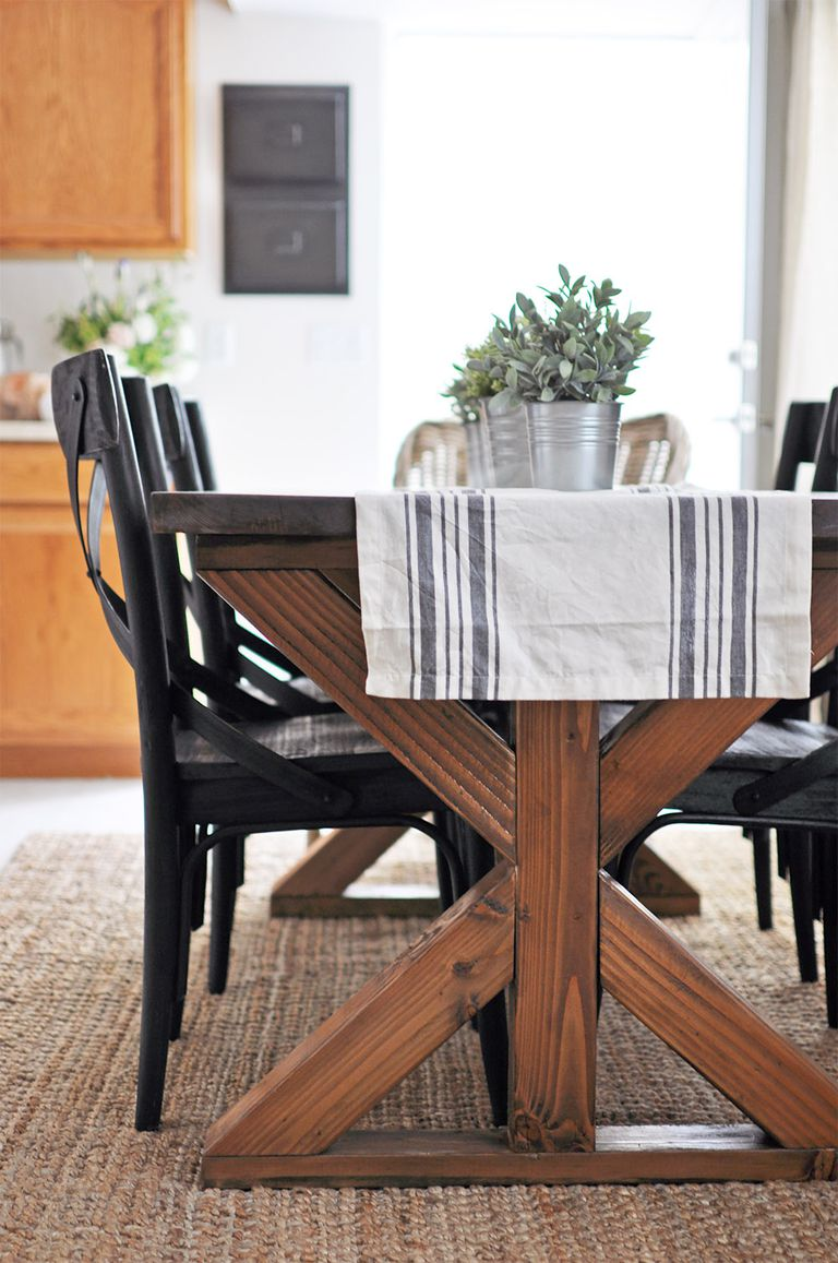 11 Free DIY Woodworking Plans for a Farmhouse Table