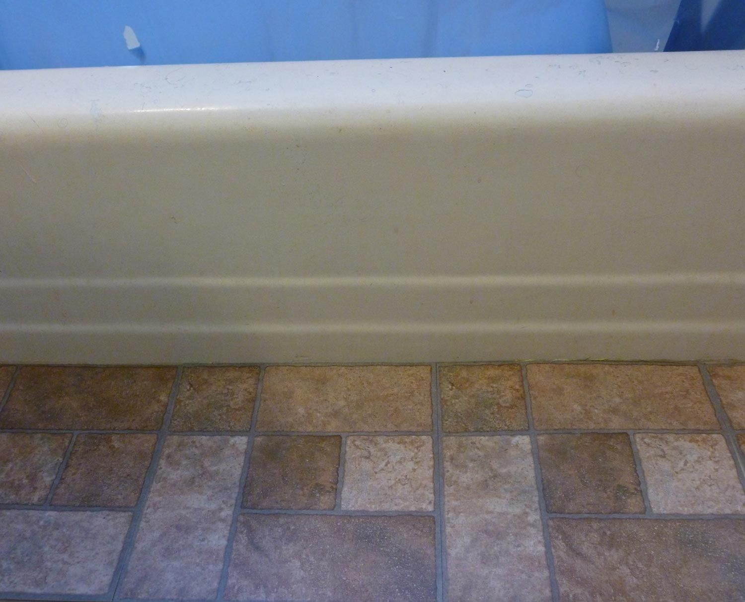 Tile a bathroom floor - Here S How To Transform Your Bathroom With Self Adhesive Floor Tiles
