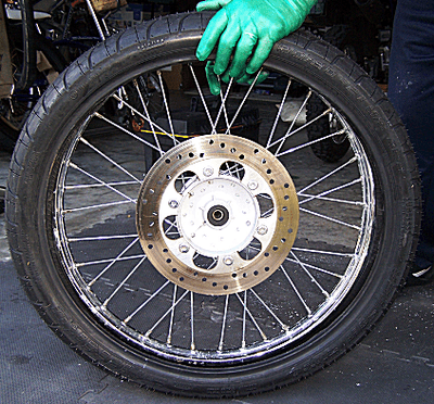 how to change tyre bike