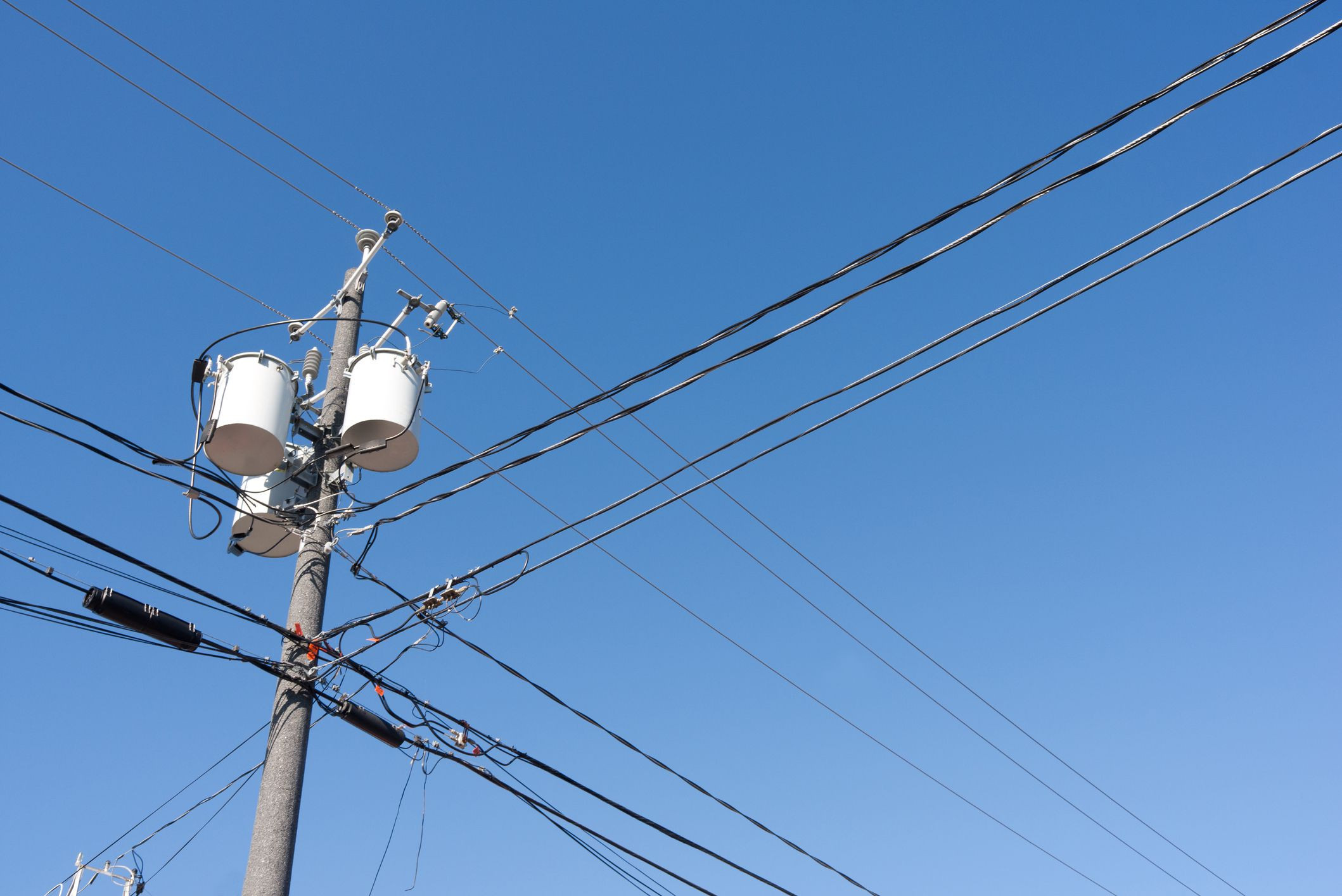Electric Power Lines : Understanding electrical service drip loops