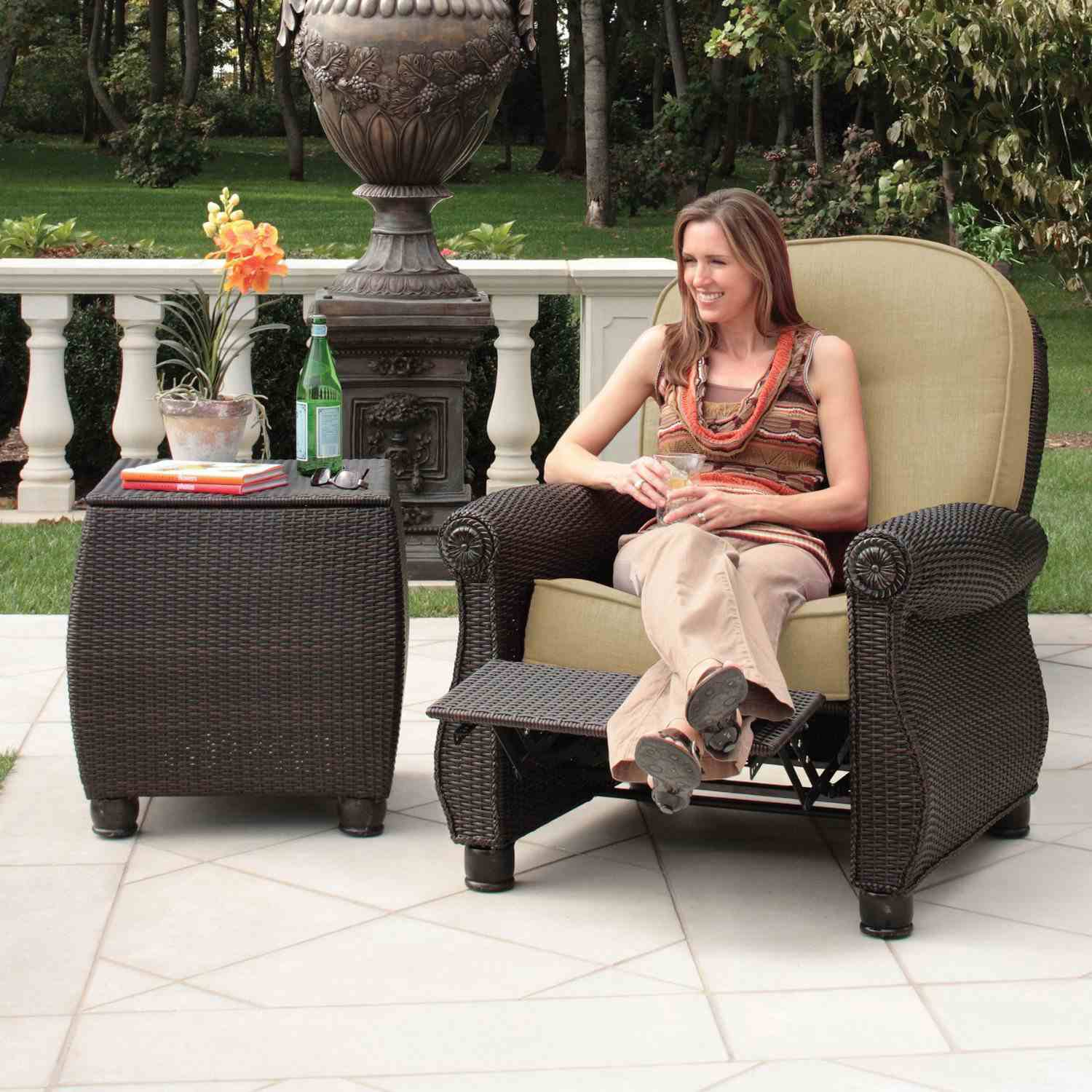 Outdoor Recliners for the Patio or Poolside