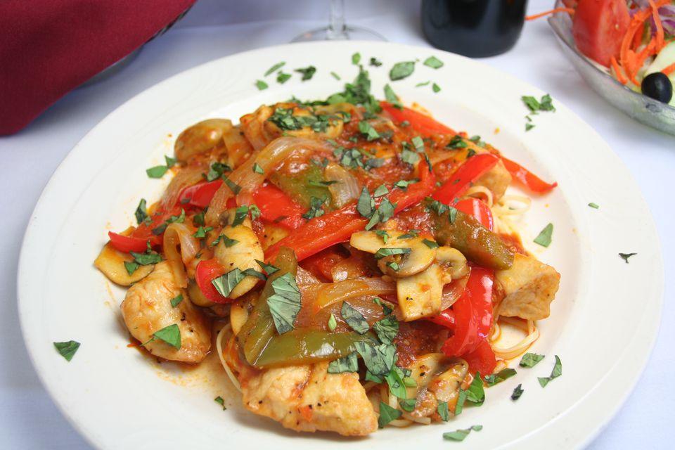 Chicken pasta sauce with vegetables