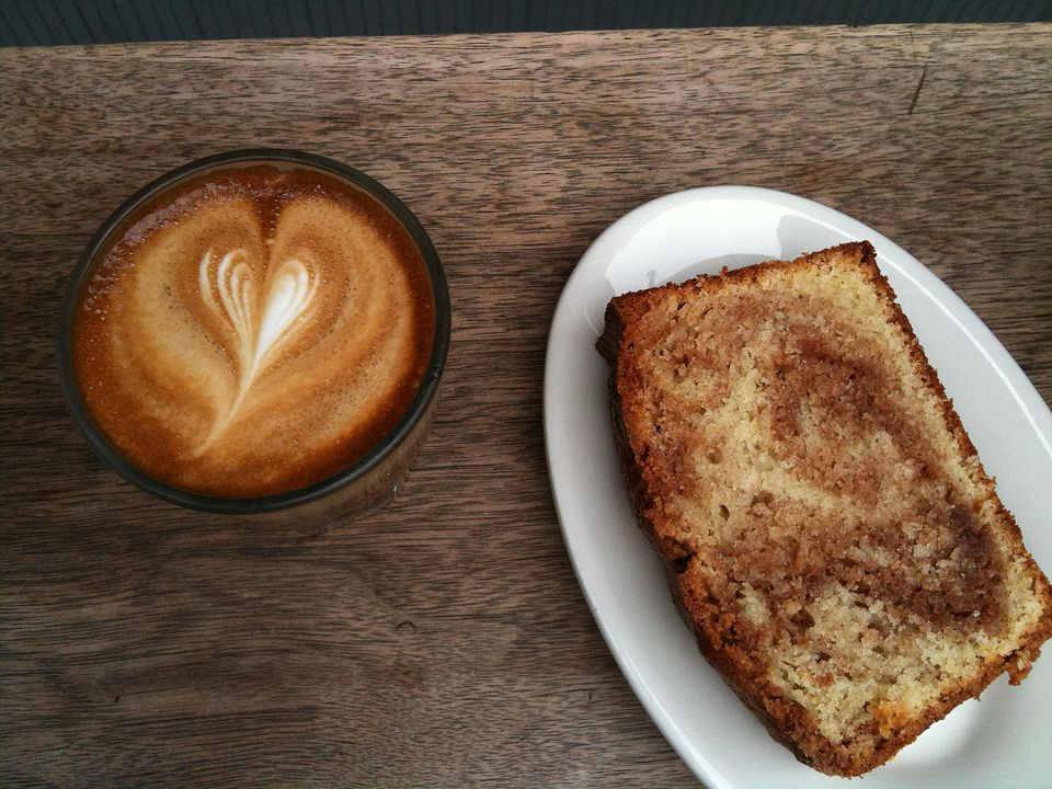 Cortado and cinnamon-swirl cake