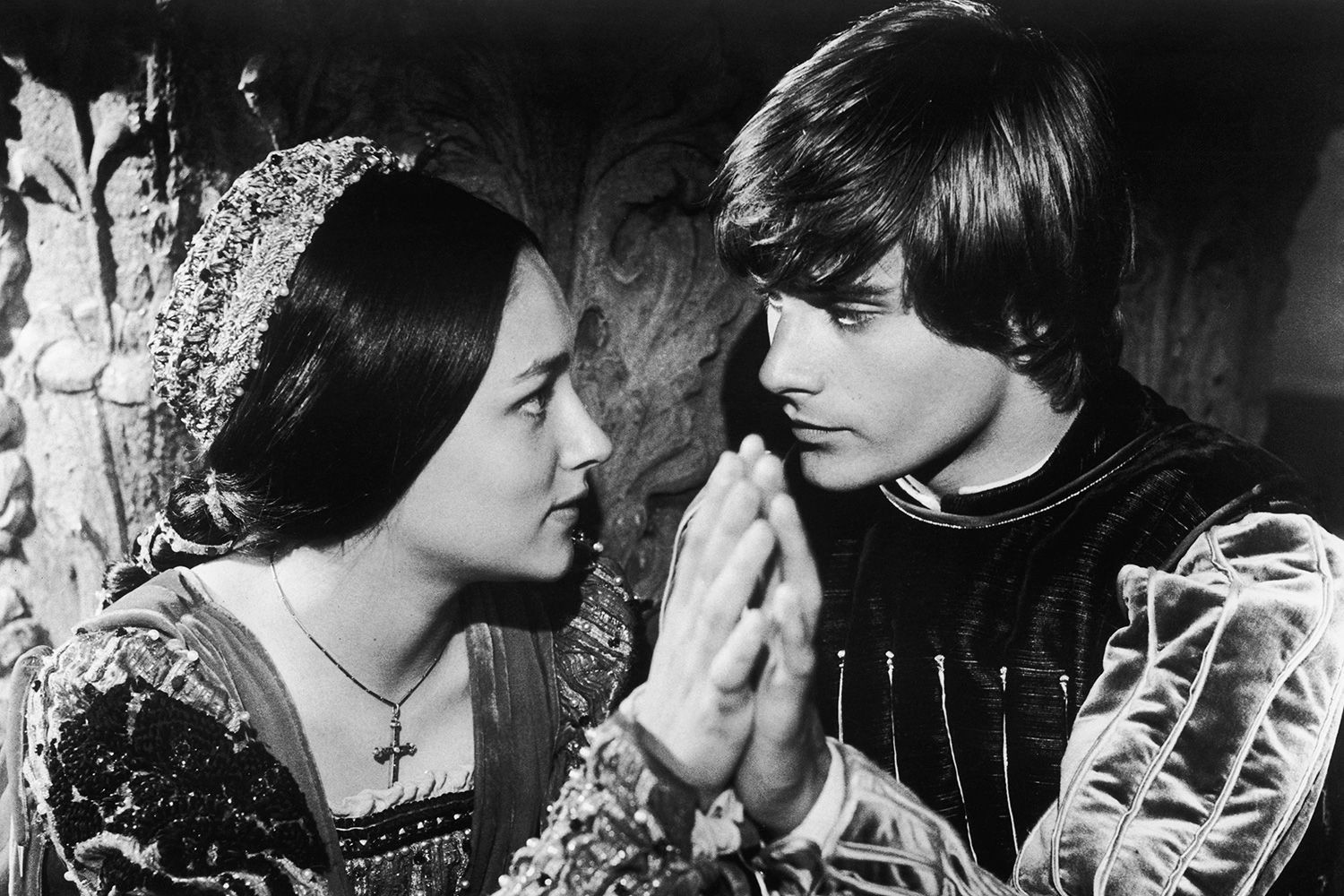 hastiness in romeo and juliet Essay fate in william shakespeare's romeo and juliet  or romeo's hastiness to assume juliet's  in william shakespeare's 'romeo and juliet' does indeed.