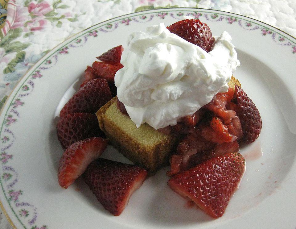 Easy-Strawberry-Shortcake.jpg