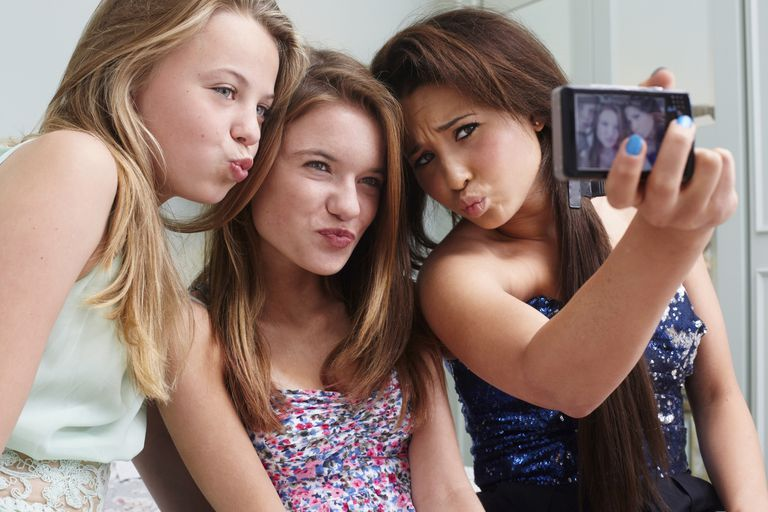 teens and selfies: what parents need to know