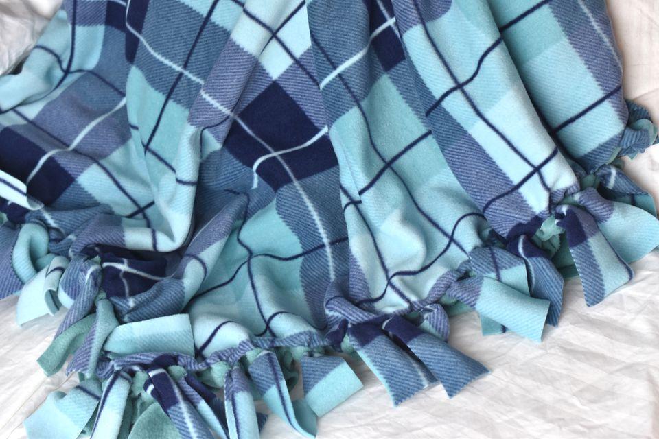Knot Blanket Ideas