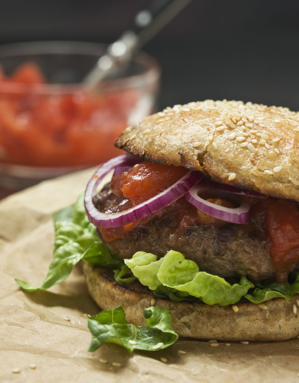 burger with tomato