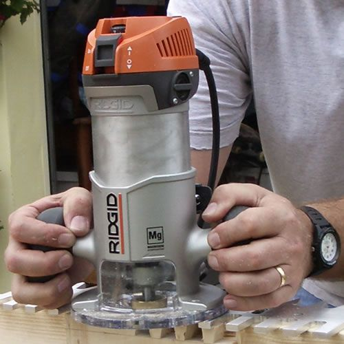 Cutting Dovetails with a Router