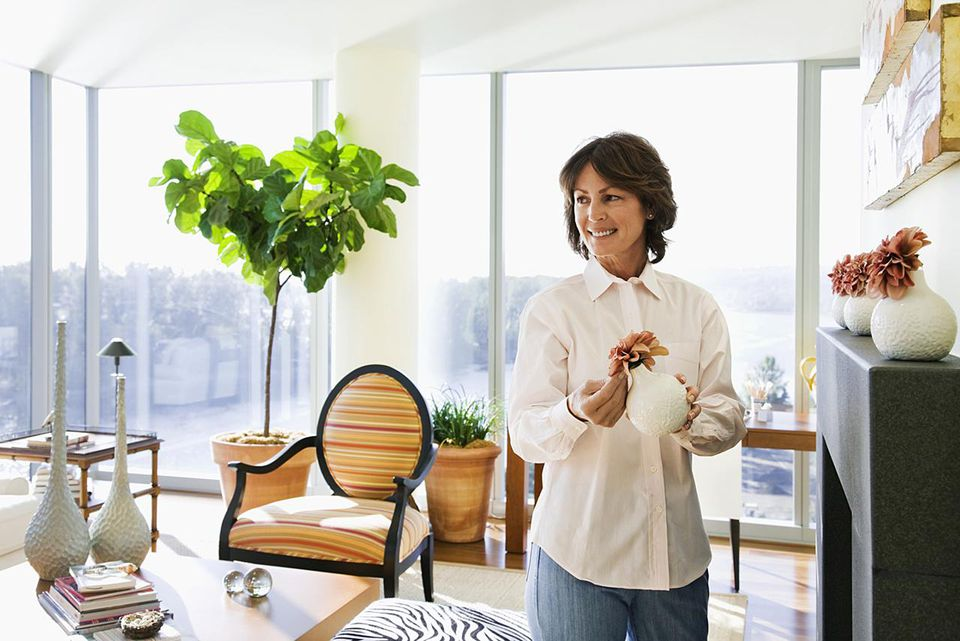 Cleaning and tending house plants