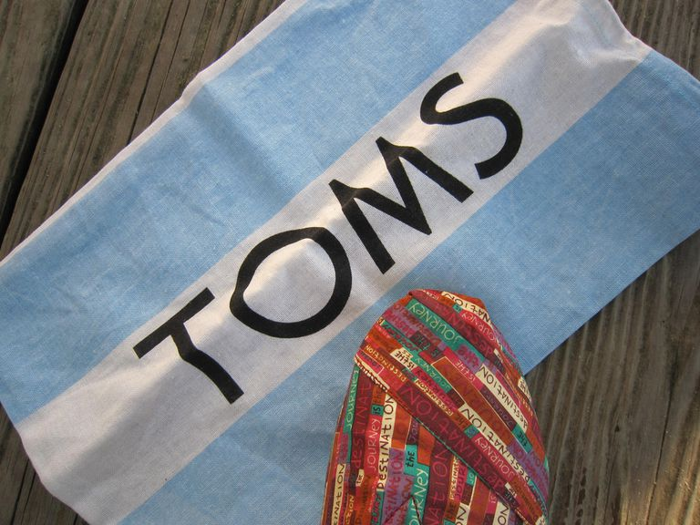 Tom's flag and shoe