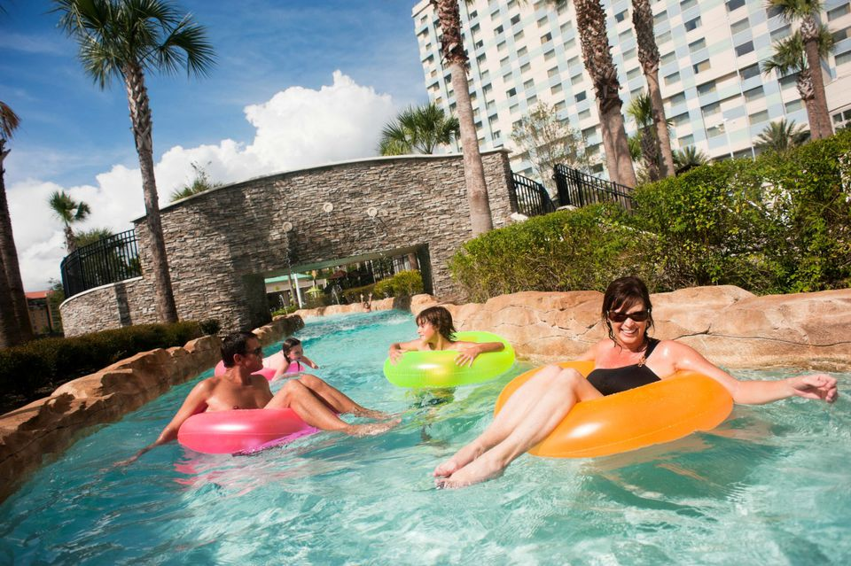 12 Orlando Hotels With Awesome Lazy Rivers