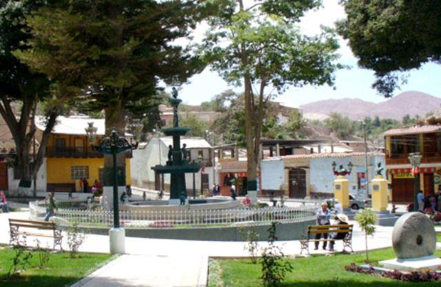 plaza-de-armas-de-moquegua.jpg