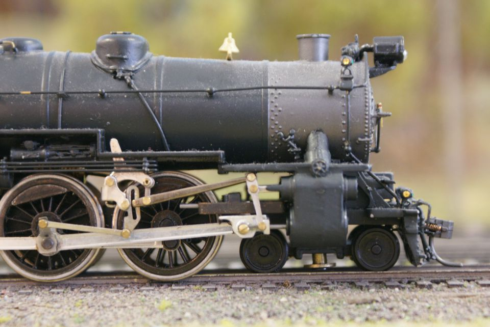 With some locomotives, it may not be obvious that all of the wheels are not on the track.