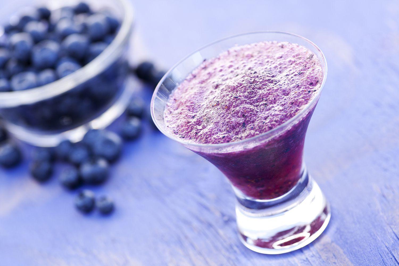 10 Delicious Blueberry Cocktail Recipes To Enjoy