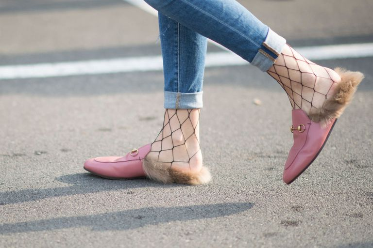Street style flat shoes skinny jeans