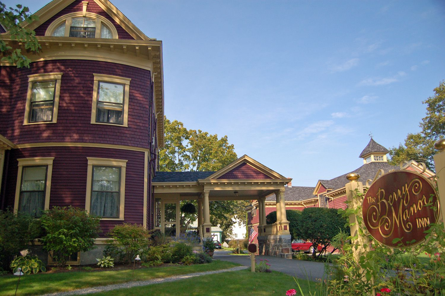 maine fall foliage lodging and autumn getaway packages