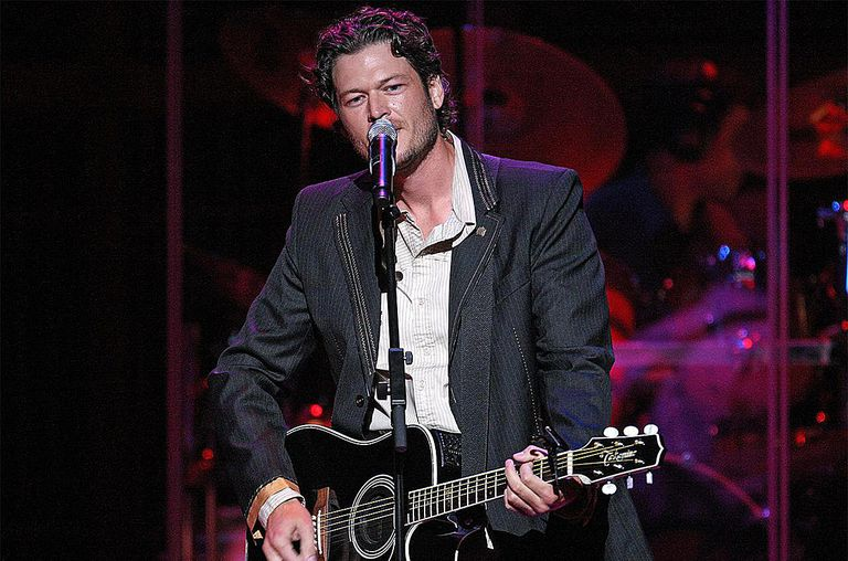 Blake Shelton performs at the second annual ACM Honors at Schermerhorn Symphony Center on September 22, 2009 in Nashville, Tennessee.