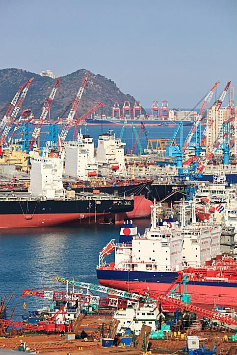 Major business conglomerates or chaebol produce most of the goods that flow out of Busan.