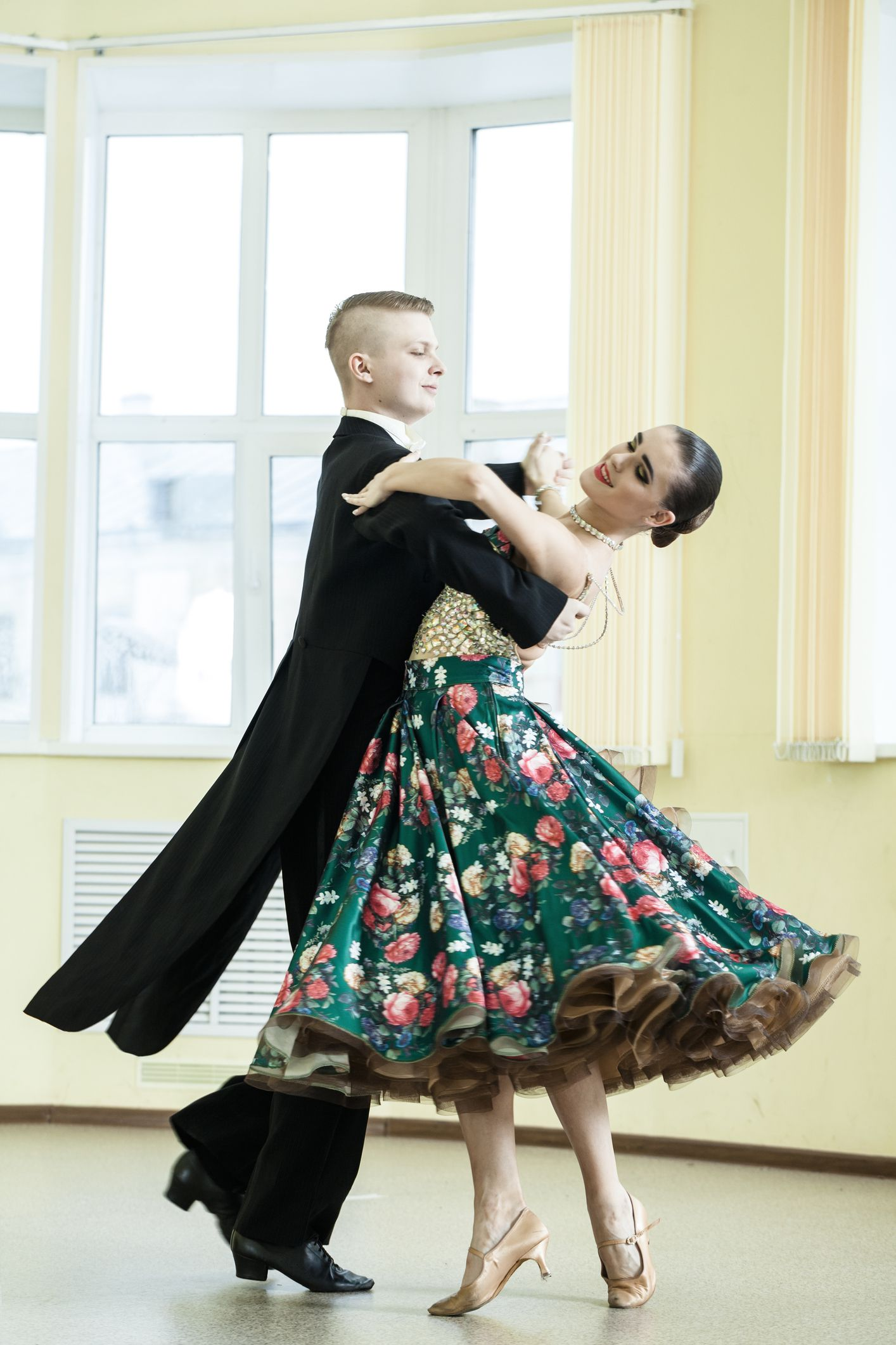 Gettyimages F E F Ba A on Foxtrot Dancers