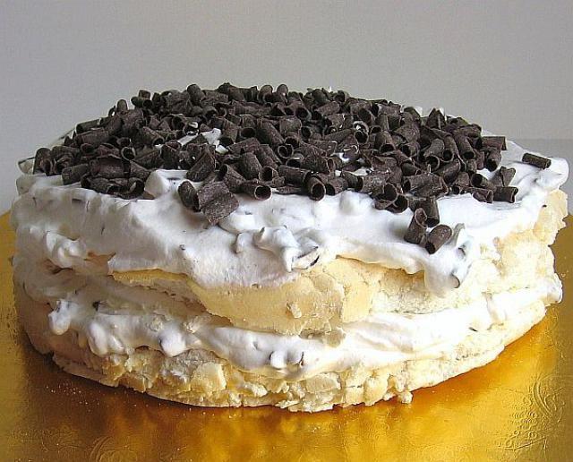Leftover Egg White Meringue Torte Recipe