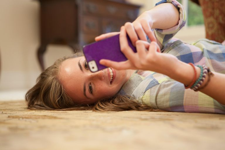 Create a cellphone contract that will teach your teen about appropriate smartphone use.