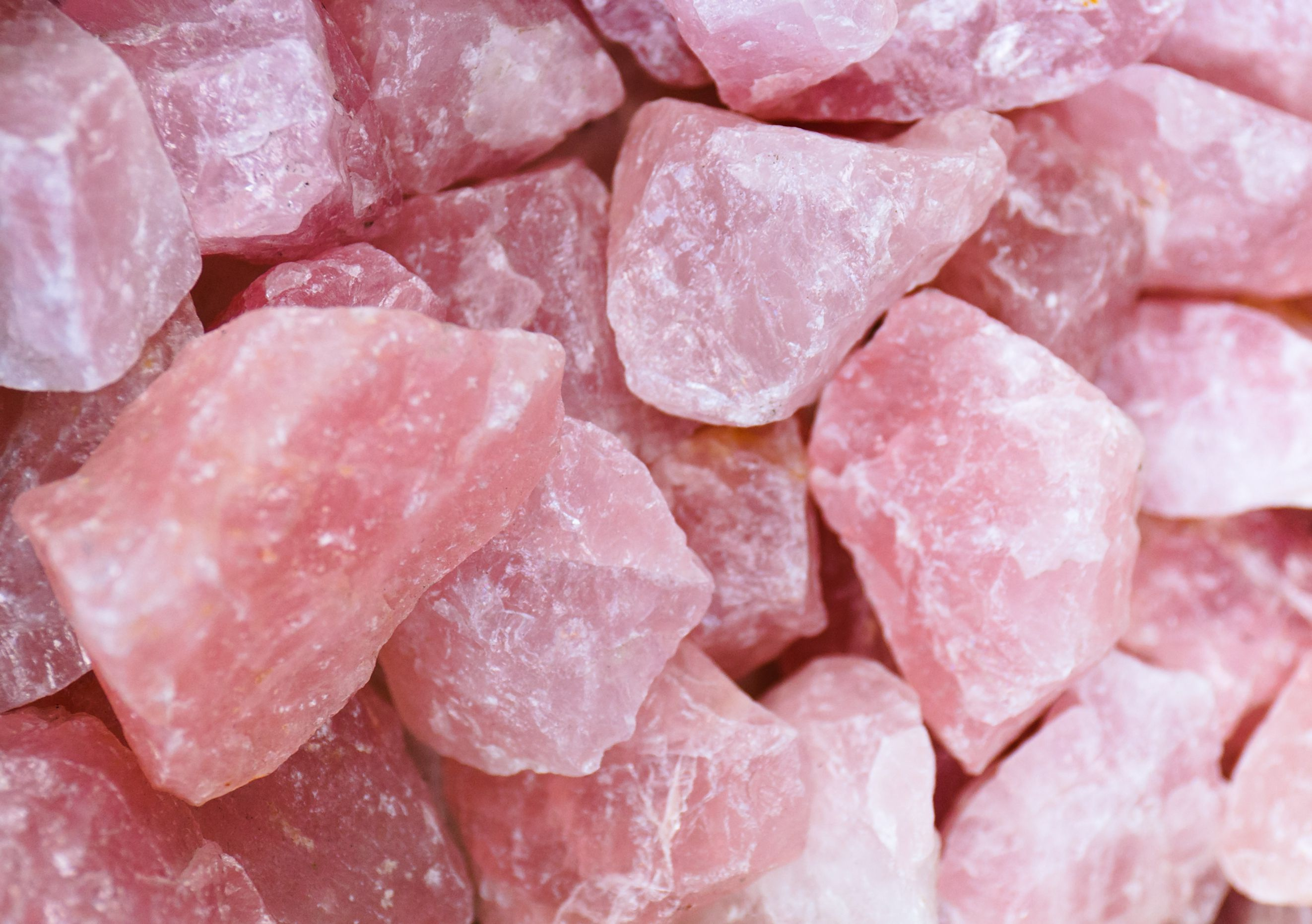 All About Rose Quartz Gemstons